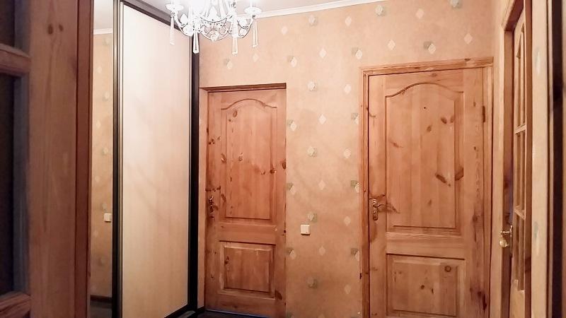 Продаётся 3-комн квартира по ул Приозёрная
