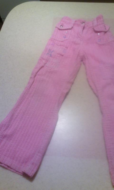 Весенний розовый костюм на девочку